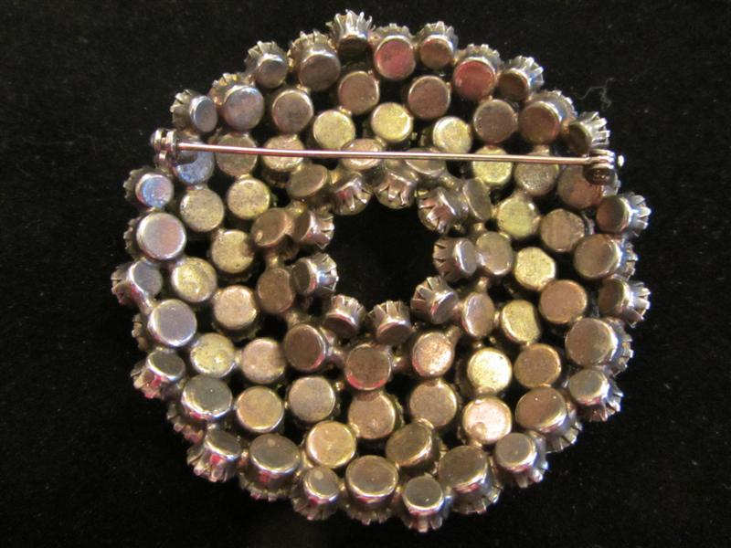 backlargebrooch