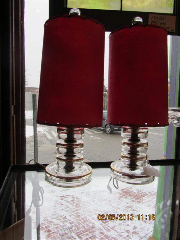 fiberglass_red_lamps