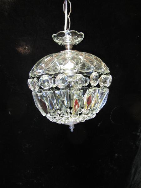 smallchandelier (Medium)