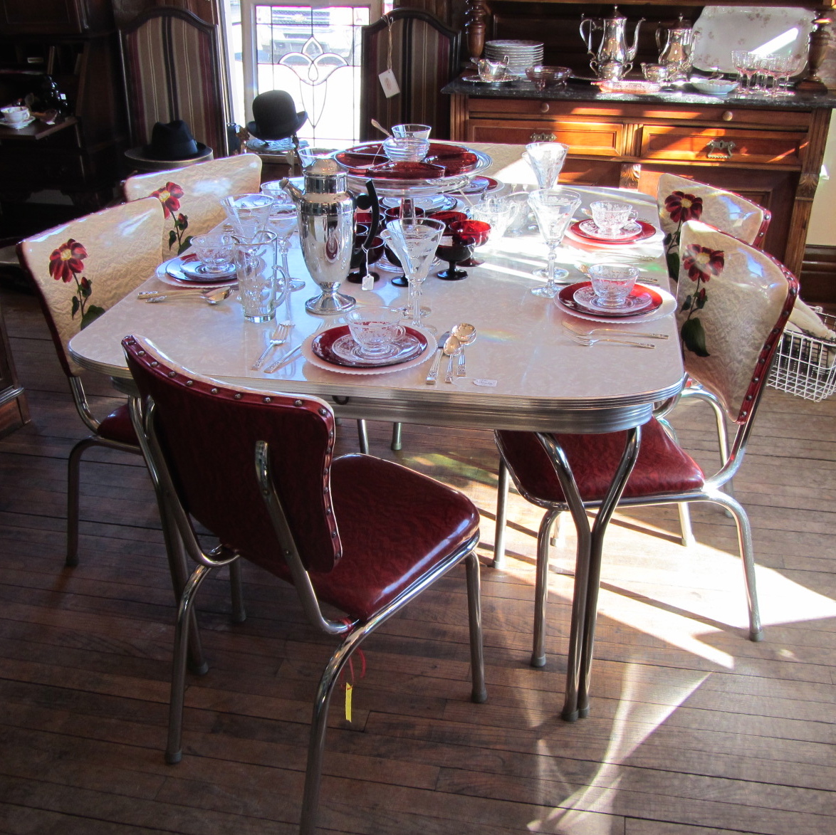 Amazing Retro Red Chrome Table 6 Chairs Amp Leaf Yesterday